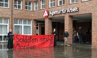 Protestaktion der Linksjugend vor dem Jobcenter in Ahlen